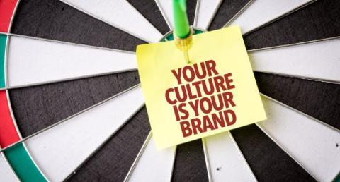who_wins-brand_or_customer_experience.jpg