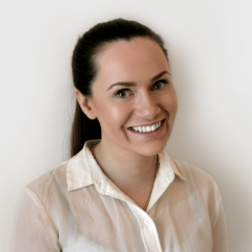 Lauren Hogg, Comarch